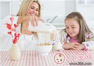宝宝几岁能喝全脂牛奶