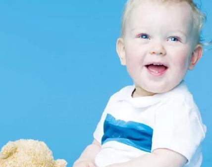宝宝第一次长牙说说 纪念宝宝长了第一颗牙说说